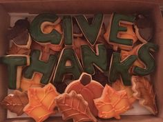 Give Thanks Royal Icing Sugar Cookies by @cookiesbykatewi #thanksgiving #fall #leaves #acorns