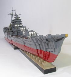 Being a fan of custom lego builds, this really made my jaw drop! :)