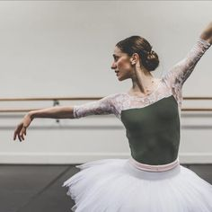 "© Kate Longley    Marianela Núñez and Ty King-Wall, ""Swan Lake"" (rehearsal), The Australian Ballet"