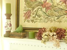 Pretty decorating for fireplace mantle