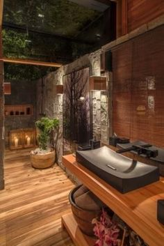 When deciding to give your home a modern bathroom, it seems that your options are endless. What is a good choice for my bathroom design? For a modern and up to date feel in your area, consider stone. Dream Home Design, Home Interior Design, House Design, Interior Architecture, Interior Decorating, Bathroom Design Luxury, Modern Bathroom Decor, Nature Bathroom, Bathroom Ideas
