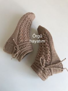 Discover 10 Most Inspiring Ideas About Decor Knit Slippers Free Pattern, Crochet Shoes Pattern, Crochet Baby Shoes, Knitted Slippers, Crochet Slippers, Crochet Ripple, Knit Crochet, Knitting Socks, Baby Knitting