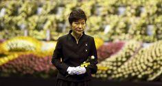 South Korea's president apologizes over Sewol ferry tragedy