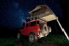 Roof Top Tents Jeep Camping Trailer, Truck Camping, Camping Set, Camping Stuff, Diy Roof Top Tent, Top Tents, Rooftop Tent Camping, Truck Bed Date, Off Road Camping