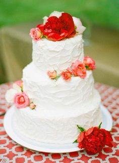 Virginia Wedding by Katie Stoops + Events in the City - Southern Weddings Magazine Red Rose Wedding, Wedding Cake Roses, Wedding Cakes With Cupcakes, Cupcake Cakes, Mini Cakes, Gorgeous Cakes, Pretty Cakes, Fresh Flower Cake, Flower Cakes