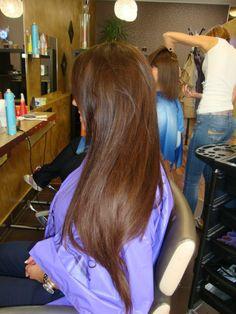 Long brown hair! Loveeee it =)