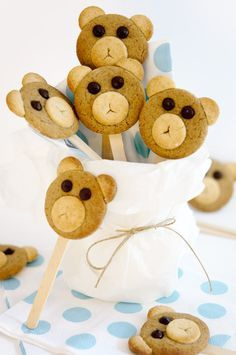 fish first birthday Baby Mickey, Place Cards, Teddy Bear, Tasty, Place Card Holders, Toys, Cakes, Healthy, Recipes