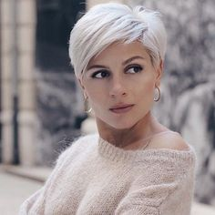 25 Coolest Pixie Haircut Both For Curly Hair And Straight Hair - Hair Beauty Haircuts For Fine Hair, Short Pixie Haircuts, Short Hairstyles For Women, Bob Hairstyles, Straight Hairstyles, Haircut Short, Messy Pixie Haircut, Haircuts For Over 60, Pixie Haircut Styles