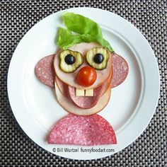 ☜(◕¨◕)☞ fun food face. kinda creepy though. Food Art For Kids, Cooking With Kids, Cute Food, Good Food, Yummy Food, Baby Food Recipes, Cooking Recipes, Creative Food Art, Snacks Für Party