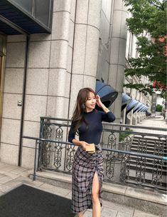 Yu Jin, Nice Girl, Plaid Outfits, Beautiful Asian Girls, Cute Girls, Cart, Mini Skirts, Women's Fashion, Clothes For Women