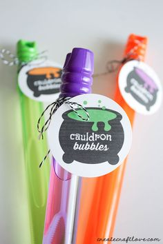 This Cauldron Bubbles Printable is great for candy and non-candy Halloween treats!