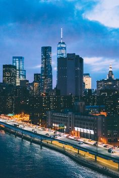 New York City at nightfall Places To Travel, Places To Go, Brooklyn, Visit New York City, One World Trade Center, I Love Nyc, City Limits, Dream City, City Photography