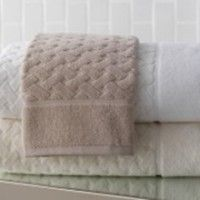 These beautiful Uptown Towels from Peacock Alley are an ideal gift