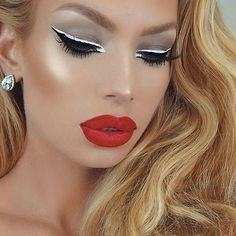 Gorgeous Makeup, Beautiful Gorgeous, Stunning Eyes, Beautiful Women, Vampy Lipstick, Liquid Lipstick, Heavy Makeup, Art Of Beauty, Big Lips