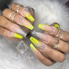 21 Beautiful Nude Coffin Nails Long Design For Gel Summer Nails - Page 4 of 7 - Fashion Lifes Nail Art Swag, Swag Nails, Coffin Nails Matte, Best Acrylic Nails, Rhinestone Nails, Bling Nails, Gorgeous Nails, Pretty Nails, Nagel Bling