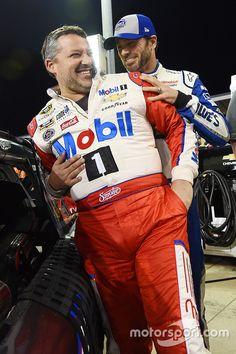 Tony Stewart, Stewart-Haas Racing, Jimmie Johnson, Hendrick Motorsports Chevrolet