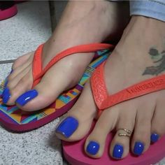 See the source image Pretty Toe Nails, Sexy Nails, Sexy Toes, Pretty Toes, Cute Nails, Skin Diamond, Blue Pedicure, Long Toenails, Nice Toes