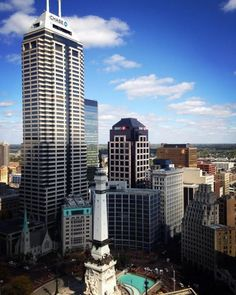 Conrad Indianapolis boasts beautiful aerial views of Monument Circle and the Soldiers and Sailors Monument.