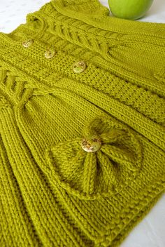 Free Baby Sweater Knitting Patterns, Knitting For Kids, Crochet For Kids, Knitting Stitches, Knitting Designs, Baby Patterns, Knit Patterns, Knit Crochet, Baby Cardigan