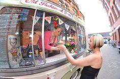 #wedding #vintage #icecream #warwickshire #retro #annie #kitch #icecreamvan #bedford #bunting #cathkidston #floral #flowers #cute #bride #groom #original #different #summer #celebrate #celebration #event #midlands #anniesantics #ices #oldfashioned #nostalgia