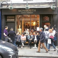 It's always great to see busy coffeeshops in London! #monmouthcoffeee #coffee #cake @monmouthcoffeecompany by debaere_.  follow4follow #vegan #bloggerswanted #coffeetime #specialitycofffee #fbloggers #eventprof #fblogger #london #bloggers #bloggerlife #londoncoffee #glutenfree #coffeeshop #surrey #bloggersstyle #afternoontea #pastrychef #coffee #blogger #cake #fbloggersuk #monmouthcoffeee #eventprofs