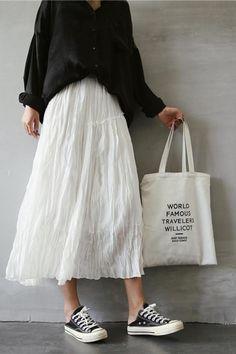 Spring and Summer Cotton Linen Long Skirt For Women - FantasyLinen Source by krishellubis White skirt outfit Long Skirt Outfits For Summer, White Skirt Outfits, Winter Skirt Outfit, Long Skirts For Women, Spring Outfits, Long White Skirts, Look Fashion, Korean Fashion, Mode Outfits