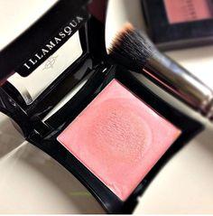 Illamasqua cream blush.. Love this color