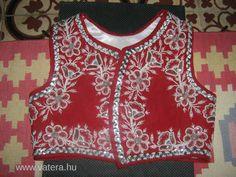 Kalotaszegi gyöngyös mellény-Erdély Bohemian Costume, Short Jackets, Folk Art, Vest, Costumes, Embroidery, Inspiration, Dresses, Hungary
