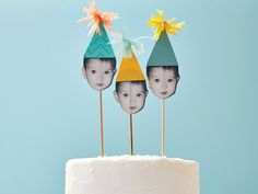 These DIY cake toppers are super simple and really impressive. These DIY cake toppers are super simple and really impressive. These DIY cake toppers are super simple and really impressive. 0 Source by Funny Birthday Cakes, Diy Birthday Banner, Homemade Birthday Cakes, Happy Birthday Cake Topper, Funny Cake, First Birthday Cakes, Cake Table Birthday, Humor Birthday, 22nd Birthday