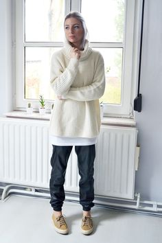 Gina tricot, oversized, turtle neck, jumper, off white, baggy, leather, trousers, pants, superga, camel, minimal
