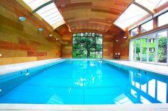 Piscinas modernas por London Swimming Pool Company