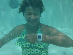 Blood sugar levels even under water on a cruise ship in the middle of the Caribbean @Pebble @NightscoutProj