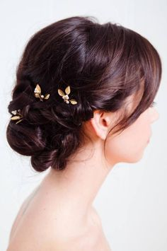 ADELE HAIRPIN :: gold leaves with pearls, small, simple, and elegant