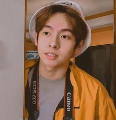 Cute Emoji Wallpaper, Cute Cartoon Wallpapers, Boyfriend Justin, Korean Entertainment, Hottest Pic, Girl Photography, Kos, Awkward, My Boys