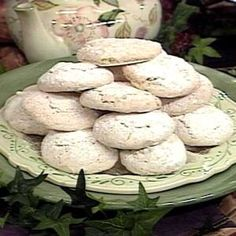 Try these light-as-a-cloud cookies for a down-to-earth occasion. Powdered Eggs, Confectioners Sugar, Meringue Cookies, Almond Cookies, Cake Supply Store, Eastern European Recipes, Edible Rice Paper, Cake Supplies, Baking Sheet