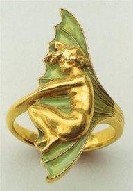 Art nouveau ring by René Lalique