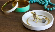 DIY Gifts You Can Make in Under 15 Minutes. Get Handmade Christmas Gift Ideas like this Critter Ring Dish Jewelry Holder at our Cyber Monday 2015 Sale #shopping #deals