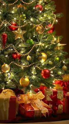 ➶ ➶ The Joy of Christmas {Noel} ➶ ➶ Christmas Scenes, Noel Christmas, Christmas Wishes, Christmas Pictures, Christmas Colors, Christmas Tree Decorations, Christmas Crafts, Holiday Tree, Mery Crismas