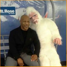 #MikeTyson hung out with the stuffed yeti at #RenoTahoeAirport!