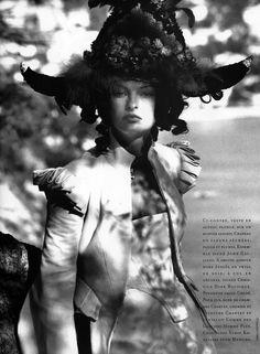 Blanc Riviera I Vogue Paris I November 1993 I Model: Linda Evangelista I Photographer: Karl Lagerfeld I Editor: Andre Leon Talley.