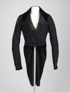 American, Coat worn by Edward Carrington, ca. 1820, Wool broadcloth with silk velvet collar and gilt brass buttons; 92.7 cm (36 inches) (center back length) shoulder seam to bottom of tails, Gift of Margarethe L. Dwight 36.142.24