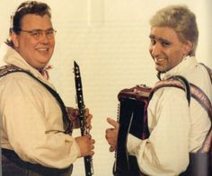 SCTV Shmenge Brothers, the Happy Wanderers played by John Candy and Eugene Levy Sundays Child, Happy Wanderers, Late Night Show, Classic Comedies, Old Shows, Classic Tv, Famous Faces, Funny People, Comedians