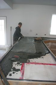 Kitchen Countertops Thousand Square Feet: DIY Pour-in-Place Concrete Countertops Poured Concrete Countertop, Concrete Kitchen, Concrete Table, Bathroom Countertops, Concrete Floors, Glass Countertops, Beton Diy, Kitchen Countertop Materials, Concrete Projects