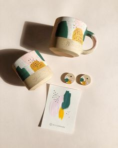 Fresh out the kiln! Excited to launch this Limited Edition Pattern collection to. Fresh out the kiln! Excited to launch this Limited Edition Pattern collection tomorrow! * Each order will include a hand painted card. Geometric Patterns, Ceramic Mugs, Ceramic Pottery, Ceramic Art, Pottery Bowls, Pottery Painting Designs, Pottery Designs, Keramik Design, Pottery Store