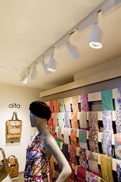 A shop's lighting can play an important role in the shopping process. Lighting retail by LEDS-C4