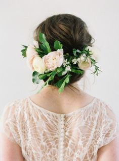 18 bridal hairstyles for a romantic glam look - Hairstyle Ideas 2019 Floral Hair, Floral Crown, Spring Wedding, Dream Wedding, Wedding Blush, Fantasy Wedding, Wedding Bride, Floral Design, Bridal Hair