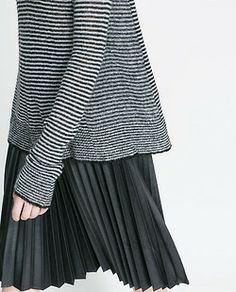 Stripes & plisé skirt