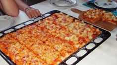 Flatbread Pizza, Macaroni And Cheese, Toast, Ethnic Recipes, Food, Flat Bread, Pineapple, Mac And Cheese, Essen