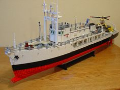 The Lego Calypso ♥ Cool Lego, Cool Toys, Lego Boat, Jacques Yves Cousteau, Lego Kits, Undersea World, Lego Ship, Lego House, Lego Models