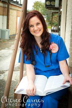 Cheree Carnes Photography Nursing graduate senior BSN nurse